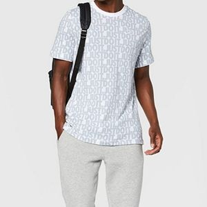 Nike mens Sportswear graphics tee size L